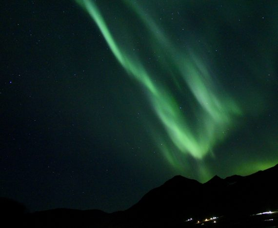 when to see nothern lights in iceland